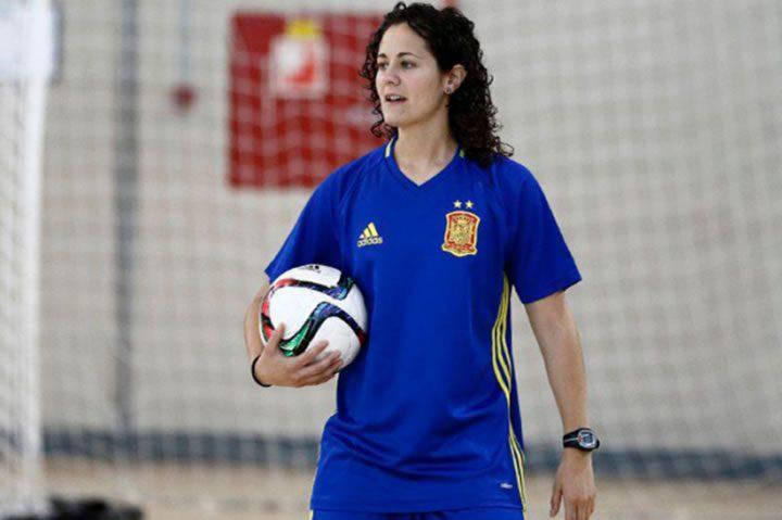 Claudia Pons