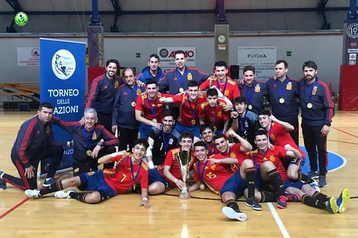Los Sub19 campeones del Torneo Delle Nazioni