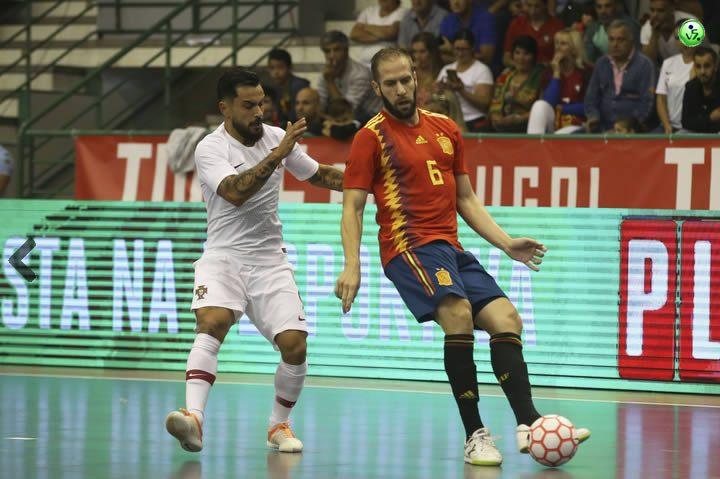 España vence en los dos amistosos a Portugal