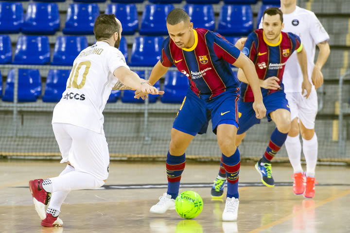 Octavos UEFA Barcelona VS Accs