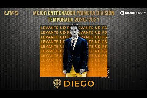 Diego Ríos - 𝗧𝗿𝗼𝗳𝗲𝗼 'LaLigaSportsTV al 𝗠𝗲𝗷𝗼𝗿 𝗘𝗻𝘁𝗿𝗲𝗻𝗮𝗱𝗼𝗿 de Primera División' de la Temporada 2020/21