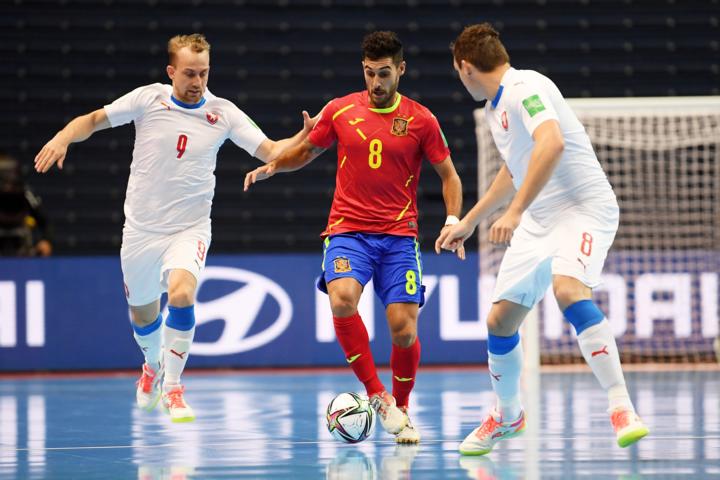 España-vs-R Checa